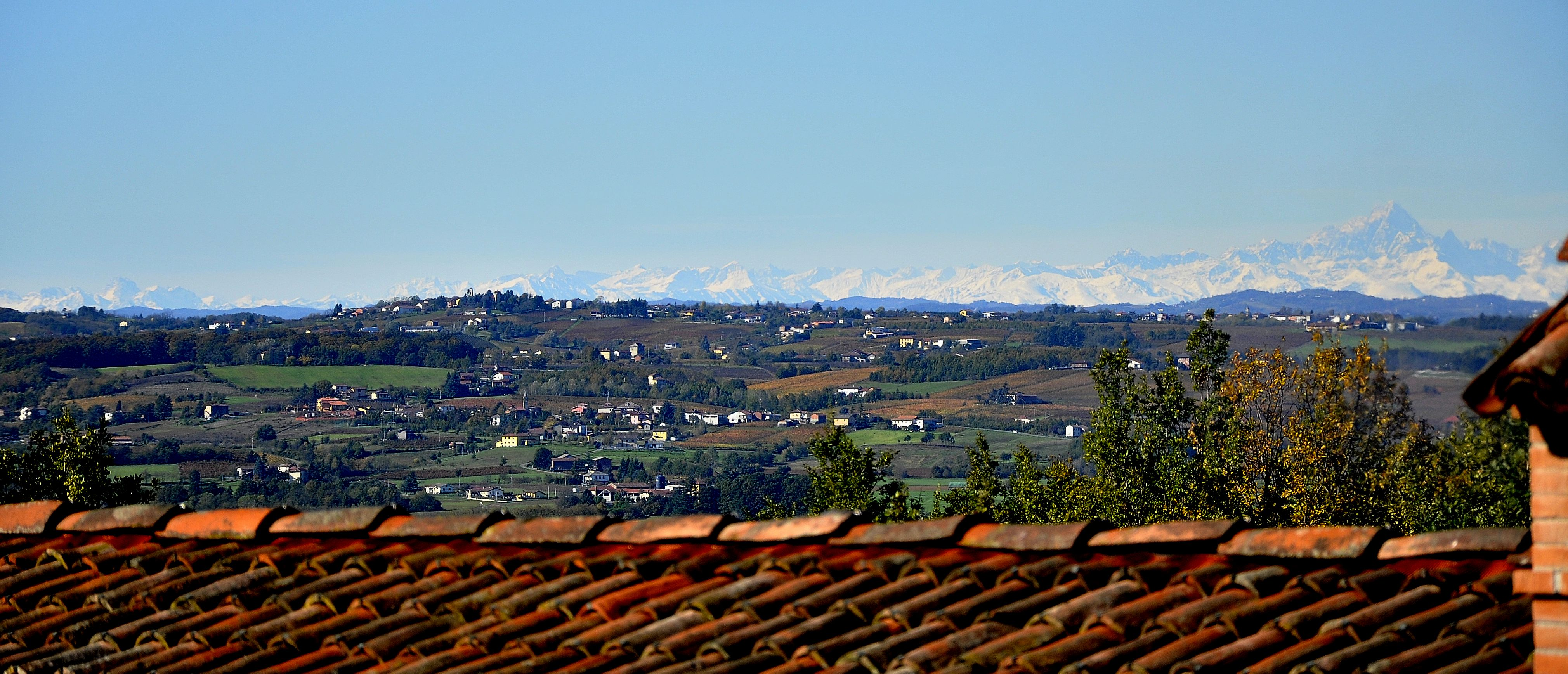 Western view form Le Cascine – in the distance Monviso (3841 m)